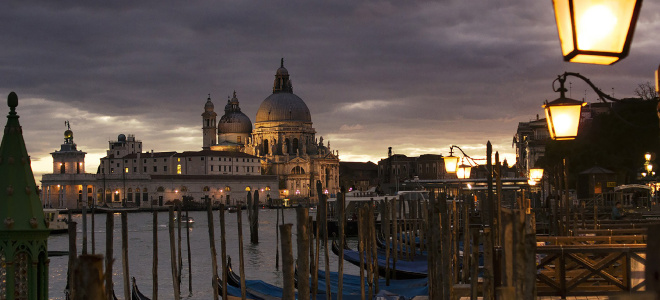 ghosts and legends of Venice evening walking guided tour