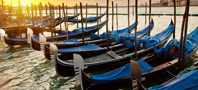 Venice Gondola Ride with Serenade at twilight