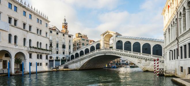 Venice boat tour Canal Grande Rialto
